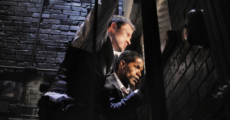 """Channing Tatum (John Cale) e Jamie Foxx (James Sawyer) em cena de """"Ataque à Casa Branca"""". A trama dirigida por Roland Emmerich tem roteiro assinado por James Vanderbilt, mesmo de """"Zodíaco"""" e """"X-Men Origens: Wolverine""""."""