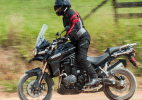 Triumph Tiger Explorer 1200 usa potncia para disparar entre bigtrails  (Foto: Doni Castilho/Infomoto)