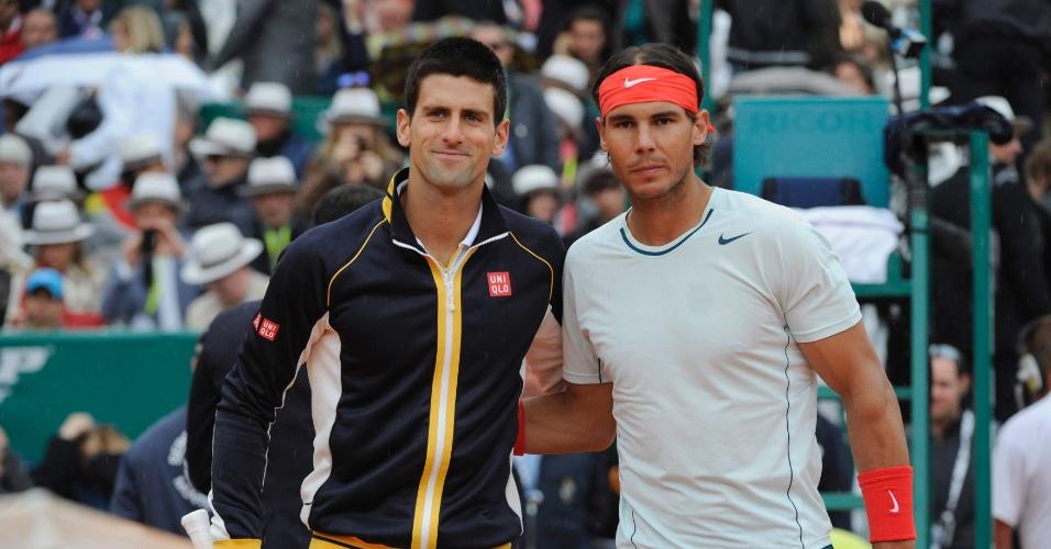 21.abr.2013 - Final entre Novak Djokovic e Rafael Nadal começou com 50 minutos de atraso por conta da chuva