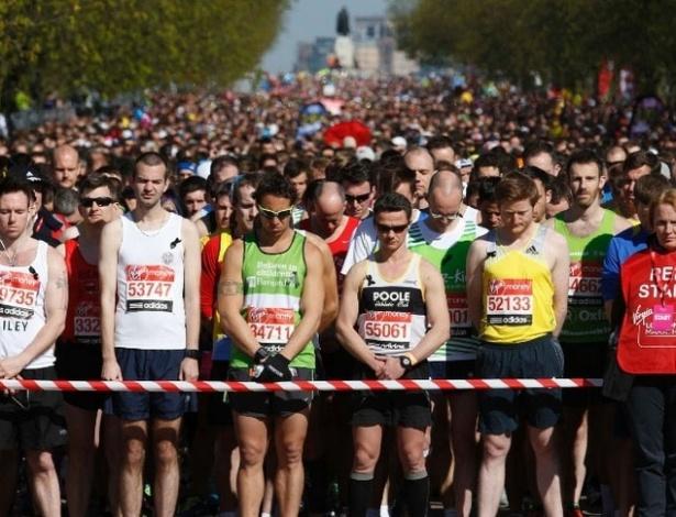 Foram realizados 30 segundos de silêncio antes do início da prova em Londres em homenagem aos três mortos e 176 feridos após o atentado durante a Maratona de Boston