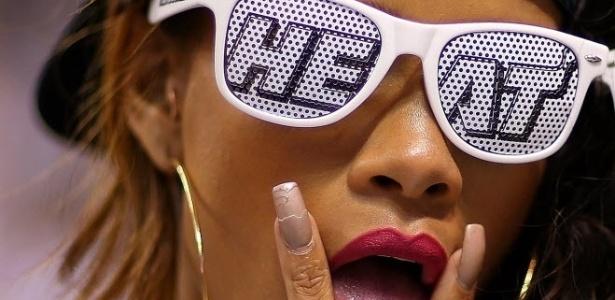 21.abr.2013 - A cantora Rihanna faz