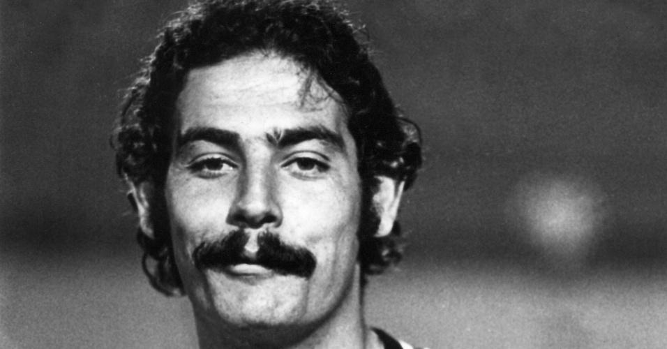 Foto de Rivellino em 1972, com a versão listrada da camisa do Corinthians que será usada novamente em 2014