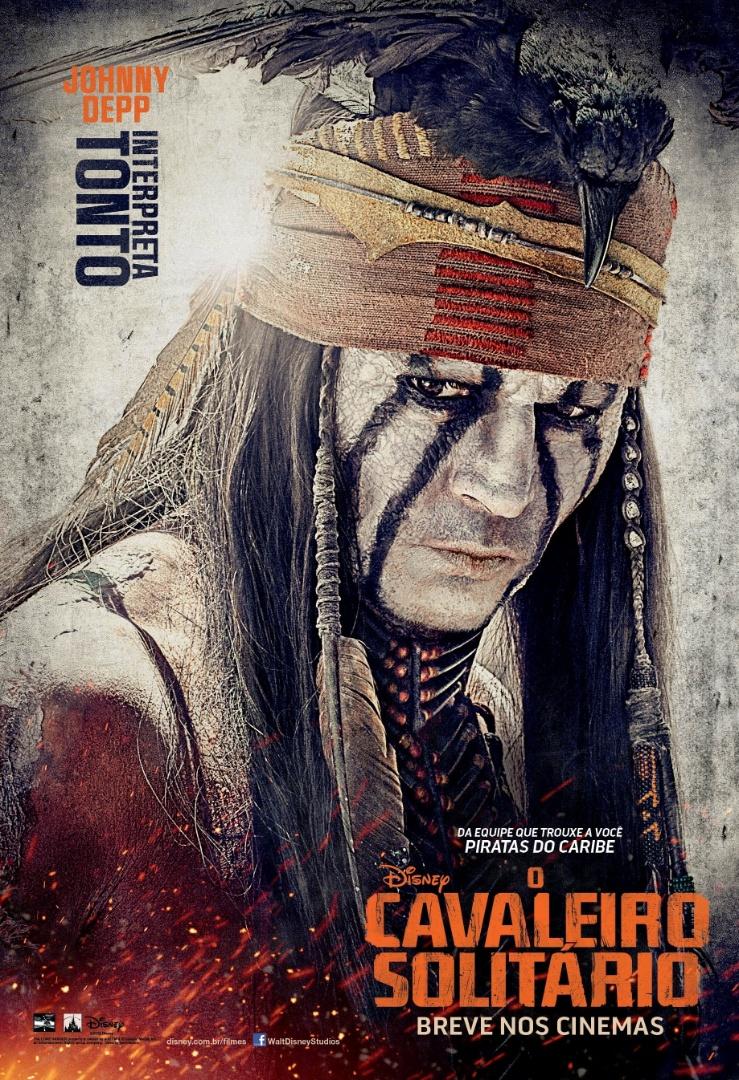 """23.abr.2013 - Pôster nacional do filme """"O Cavaleiro Solitário"""" mostra Johnny Depp como o personagem Tonto. Após ser banido de sua tribo, o índio busca vingar-se dos cavaleiros que arruinaram sua aldeia. É depois do encontro com Tonto que John Reid (Armie Hammer) vai se tornar o Cavaleiro Solitário."""