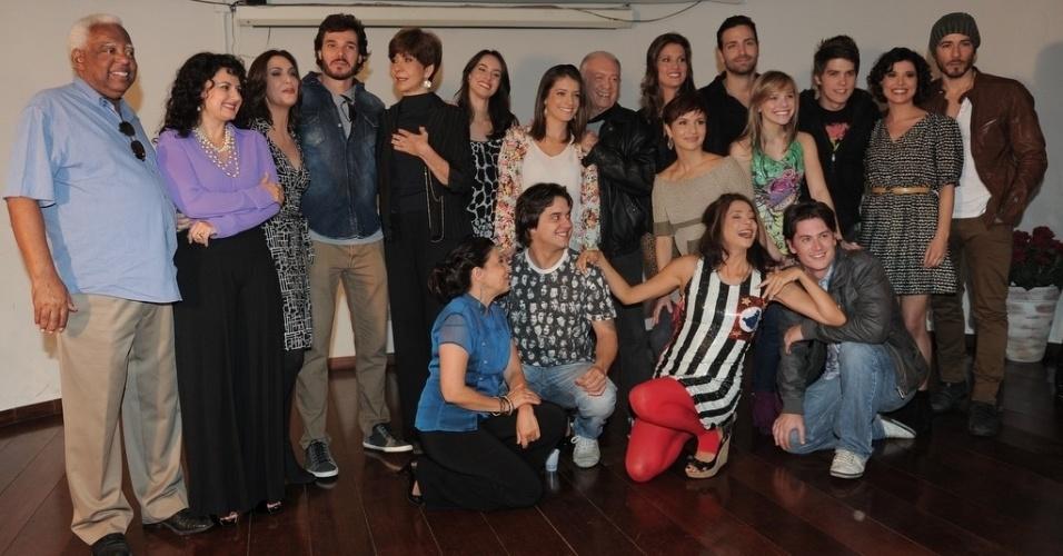 """23.abr.2013 - SBT apresenta elenco da nova versão de """"Chiquititas"""""""
