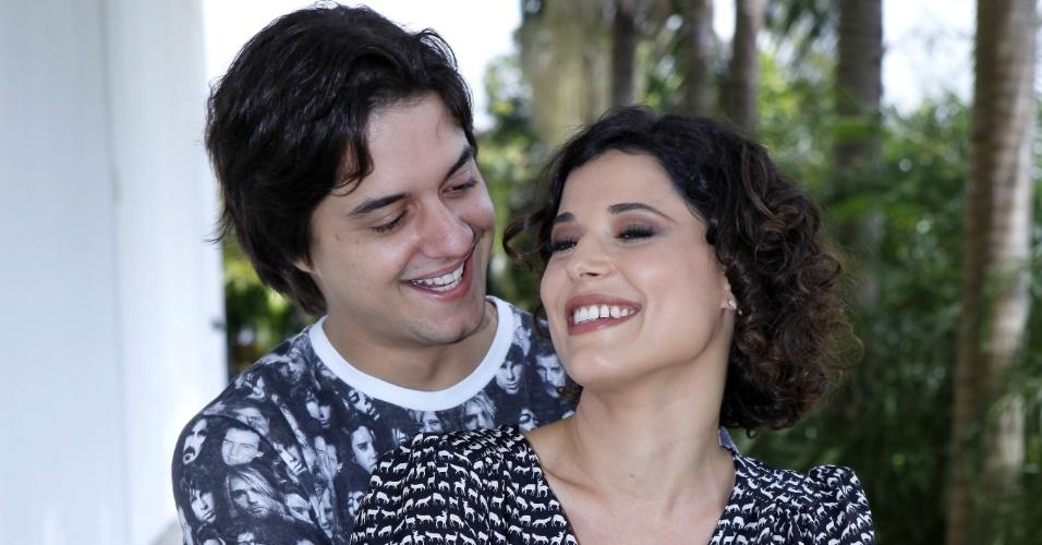 """Os atores Guilherme Boury e Manuela do Monte serão Carolina e Júnior no remake """"Chiquititas"""""""