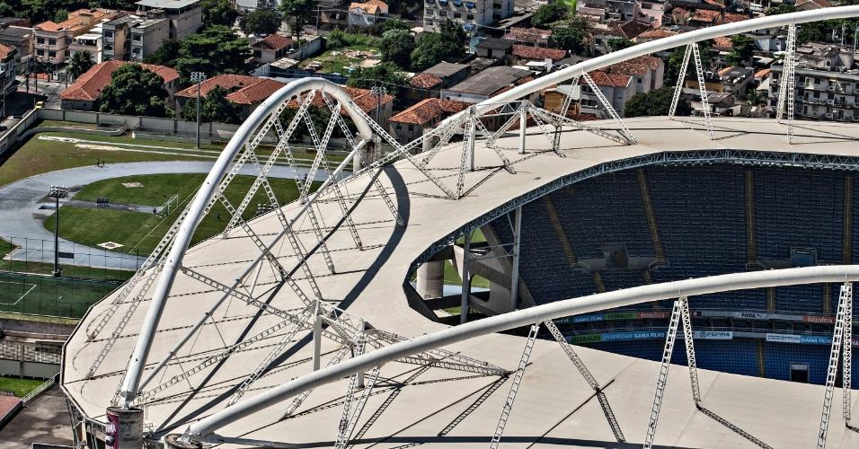 Cobertura do Engenhão, responsável pela interdição do estádio
