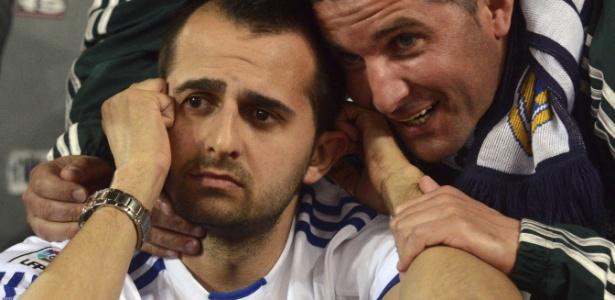 Torcedores do Real Madrid lamentam goleada sofrida para o Borussia Dortmund