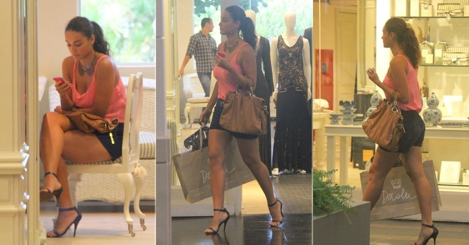 25.abr.2013 - Débora Nascimento faz compras em shopping do Rio de Janeiro