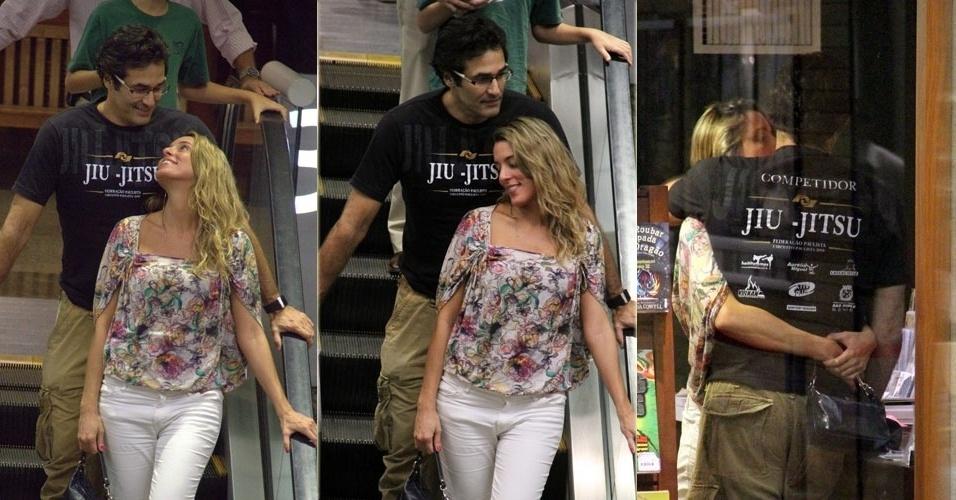 25.abr.2013 - Luciano Szafir vai com loira a livraria e recebe beijo no Rio de Janeiro