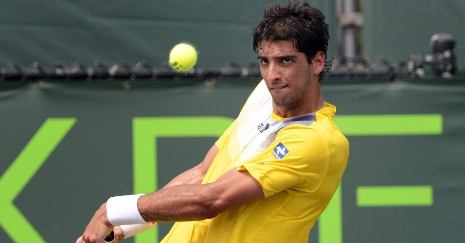 25.abr.2013 - O brasileiro Thomaz Bellucci venceu o russo Dmitry Tursunov por 2 sets a 1
