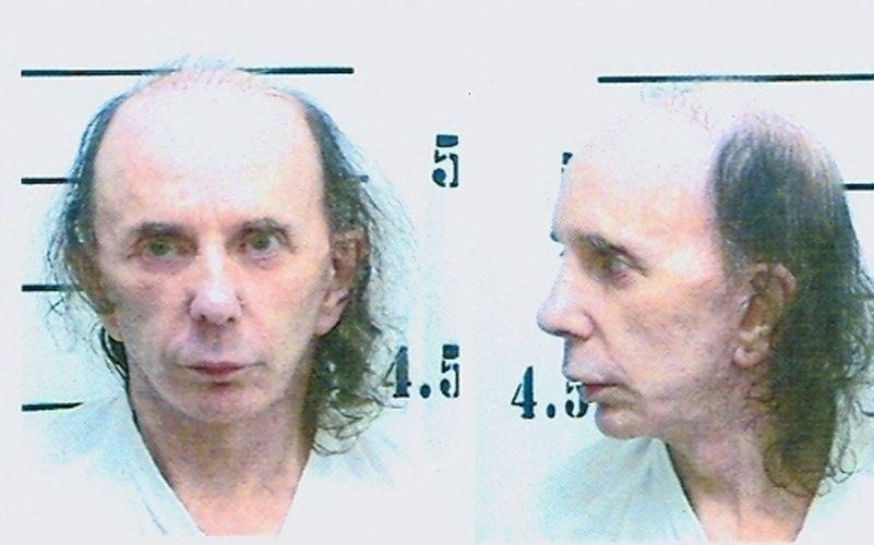 5.jun.2009 - O produtor Phil Spector é fotografado na prisão estadual north Kern, em Delano, Califórnia. O produtor foi condenado a 19 anos de prisão por assassinato de segundo grau da atriz Lana Clarkson, em 2003