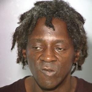 Flavor Flav, em outra ocasião em que foi preso, em 2012, sob a acusação de agredir sua noiva