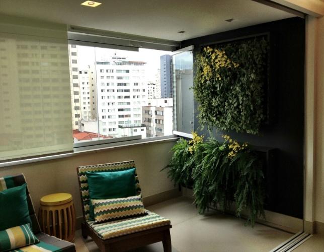 jardim vertical neorex : jardim vertical neorex: jardim vertical, formado através de quadros de alumínio (Vidros e