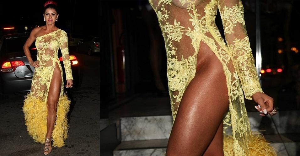 25.abr.2013 - Thaís Bianca vai com decote revelador à festa de lançamento de sua