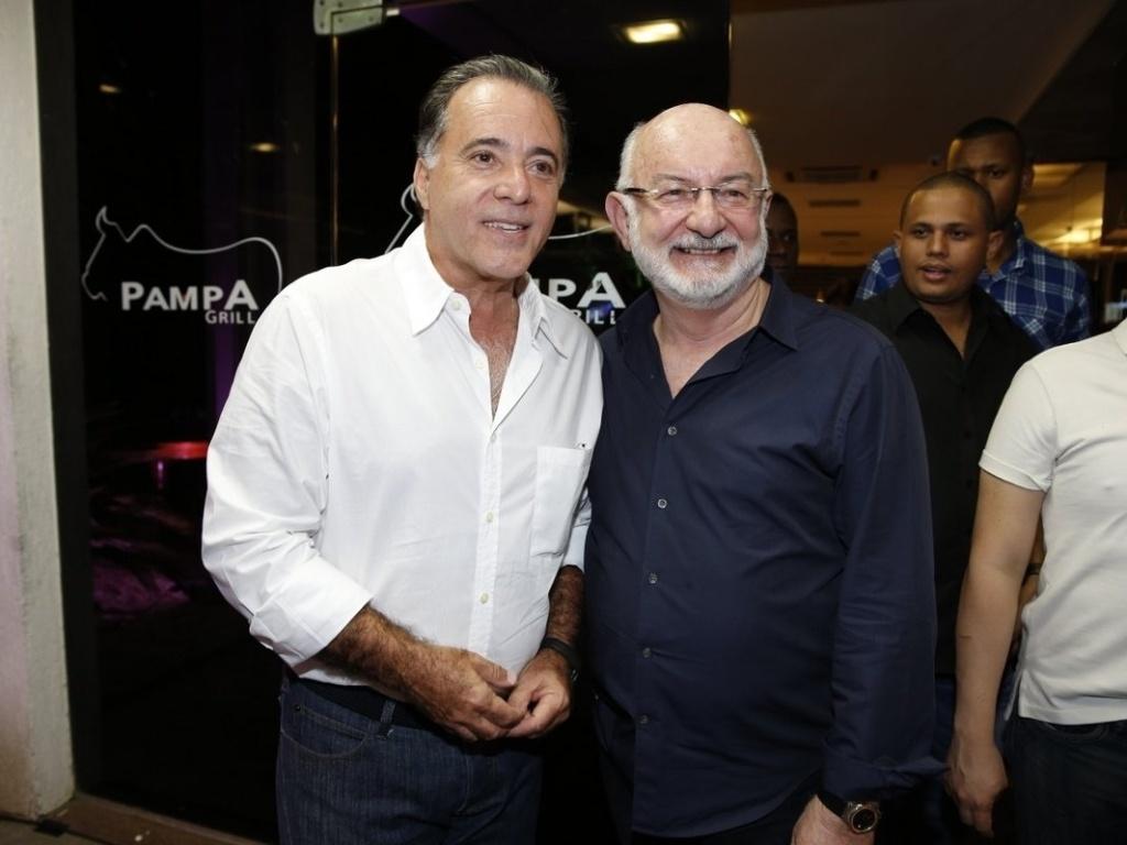 26.abr.2013 - Tony Ramos e Silvio de Abreu assistem ao último capítulo de