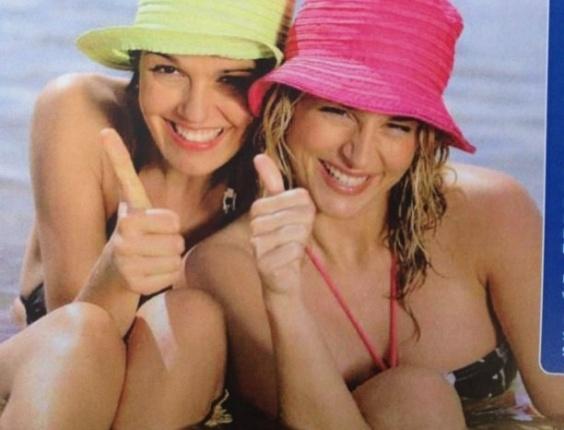 Era para ser uma simples propaganda turística da ilha de Tenerife, no arquipélago das Canárias. Mas algo estranho ocorreu com o polegar da modelo à esquerda. Duas hipóteses: o dedo da moça é assim mesmo ou um escorregão no Photoshop esticou o polegar dela