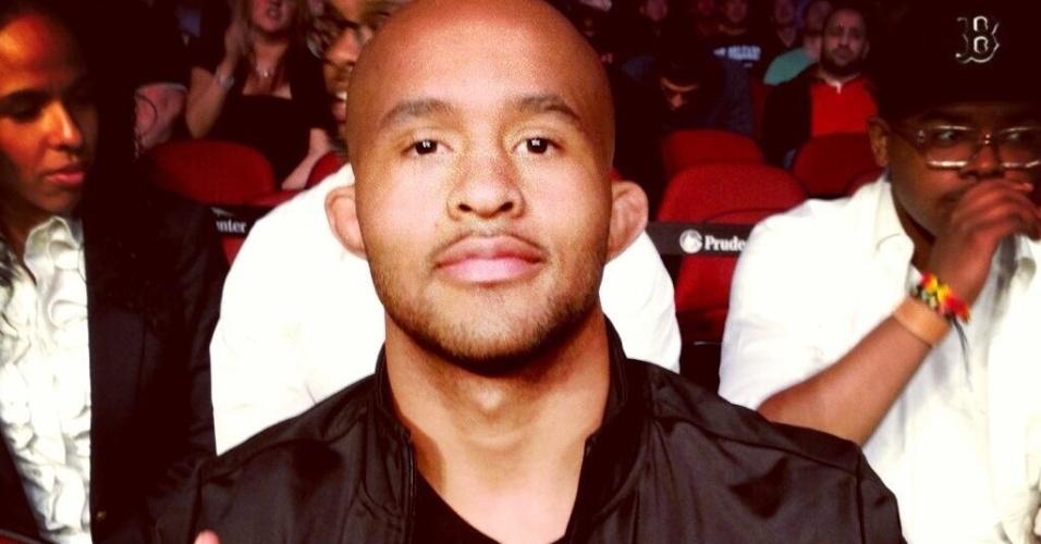 Campeão do UFC na categoria peso moscas, Demetrious Johnson marca presença no UFC 159