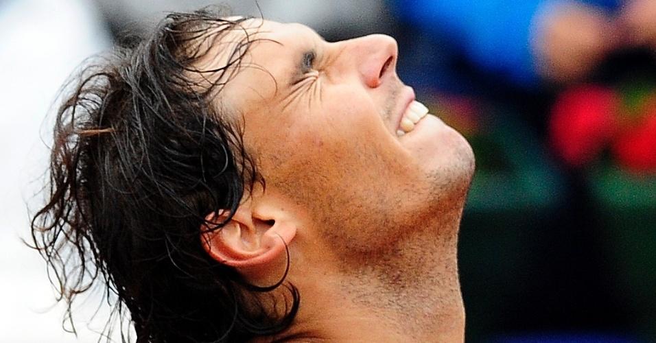 28.abr.2013 - Nadal reage após garantir o título do Torneio de Barcelona em vitória sobre Nicolás Almagro