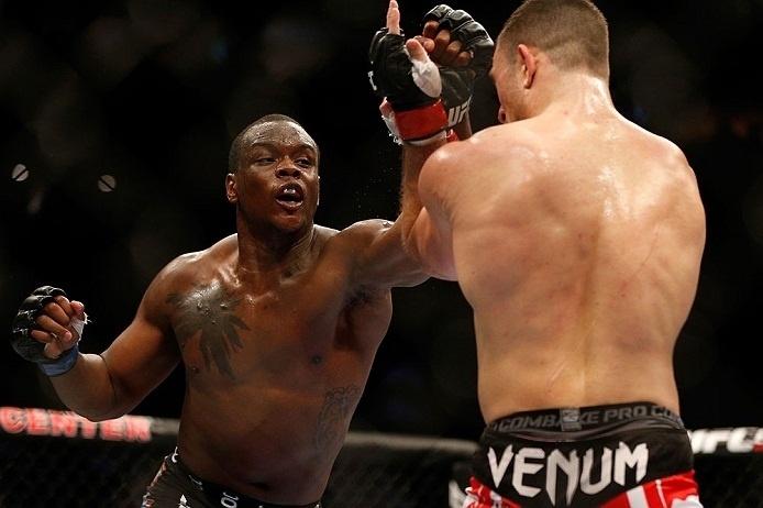 28.abr.2013 - Ovince Saint Preux tenta soco contra Gian Villante no UFC 159