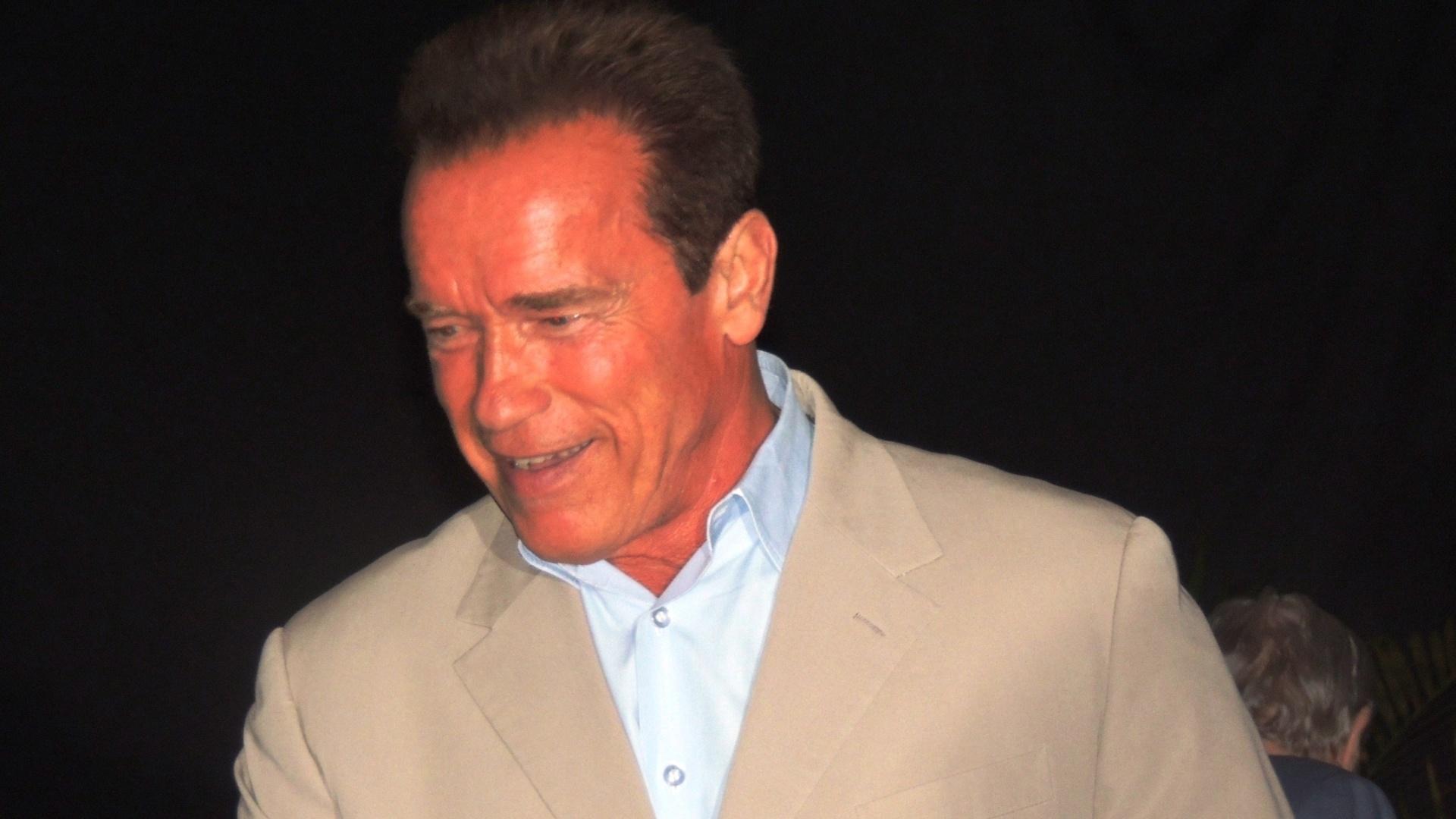 Astro Arnold Schwarzenegger chega a mais um dos eventos do Arnold Classic realizado no Rio de Janeiro