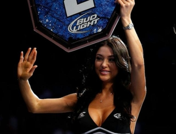 Ring girl Arianny Celeste participa do UFC 159