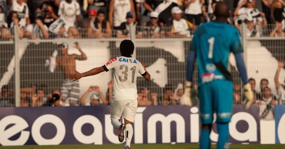 Romarinho aproveitou falha de Edson Bastos e abriu o marcador no duelo entre Ponte x Corinthians