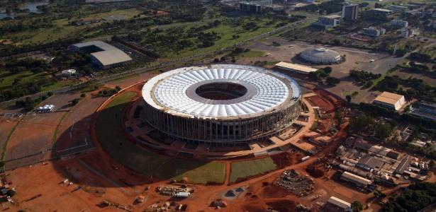 28.abr.2013 - Visão aérea do estádio Mané Garrincha, em Brasília