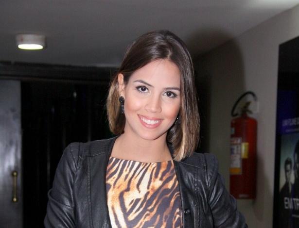 29.abr.2013 - A atriz Pérola Faria vai à pré-estreia do filme