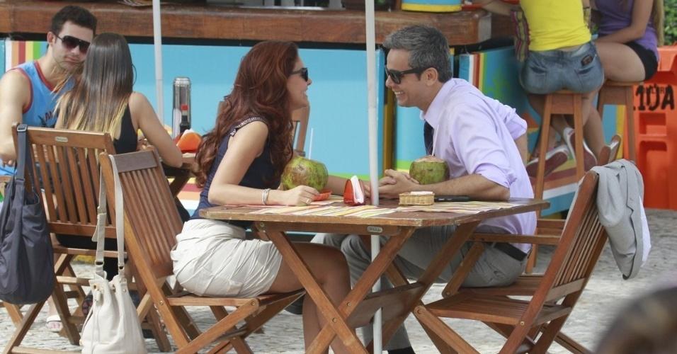 29.abr.2013 - Paloma Bernardi e Otaviano Costa gravam cenas da novela