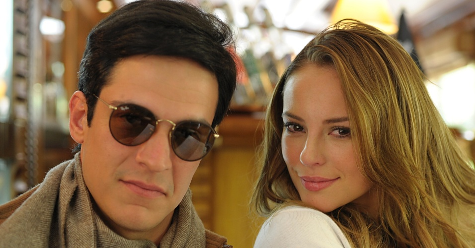 """Os atores Mateus Solano (Fêlix) e Paola Oliveira (Paloma) gravam cenas de """"Amor à Vida"""". Ele irá prejudicar a vida da irmã"""