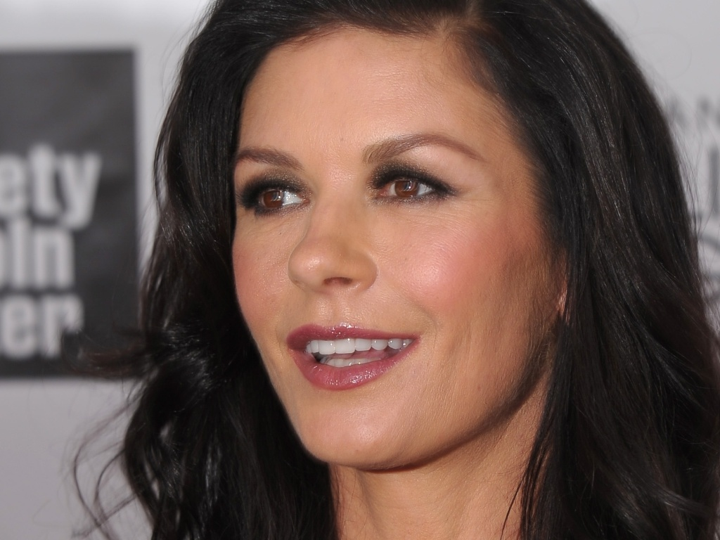 22.abr.2013 - Catherine Zeta-Jones na festa de 40 anos do Chaplin Award Gala, em Nova York