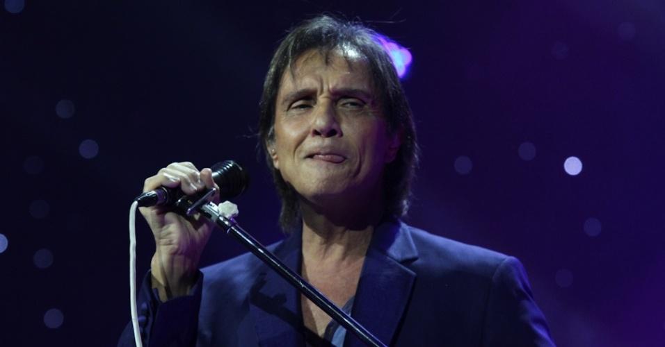 30.abr.2013 - O cantor e compositor Roberto Carlos inicia na noite desta terça-feira uma temporada inédita no Espaço das Américas, em São Paulo