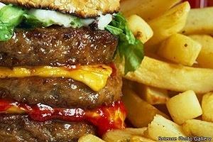 A comunidade científica debate se o hábito de comer de forma compulsiva pode ser definido como um vício