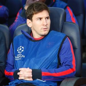 : Messi sente lesão muscular e deve perder o fim da temporada do Barça
