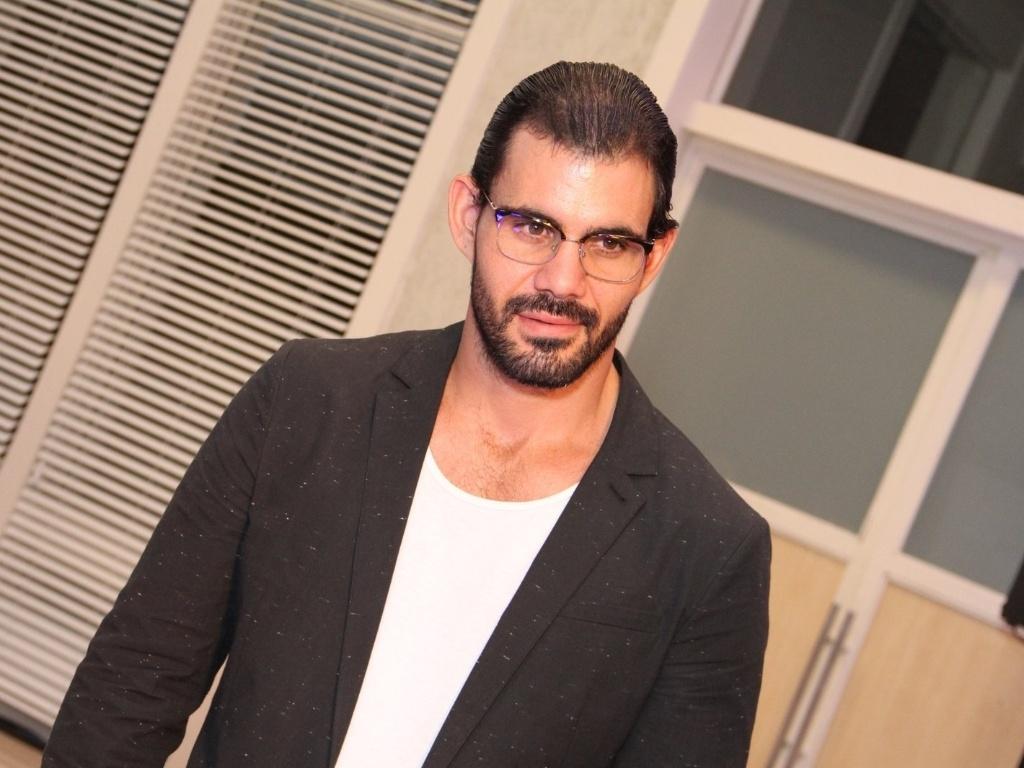 30.abr.2013 - Juliano Cazarré na coletiva de lançamento da novela