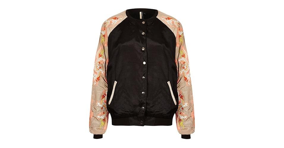 Jaqueta em viscose com bordados nas mangas; R$ 359, Topshop
