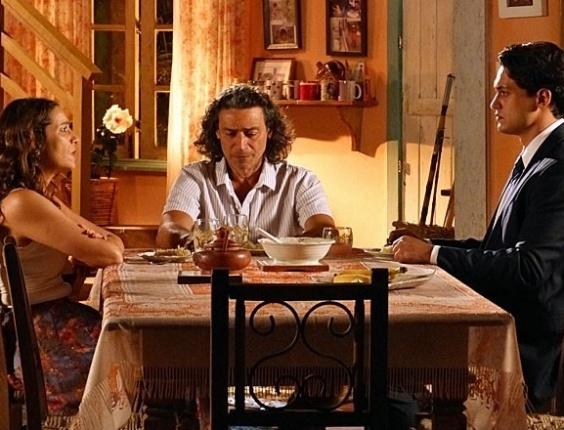 """3.mai.2013 - Em """"Flor do Caribe"""", Hélio admite crime e confessa que fez Donato ficar preso em seu lugar"""