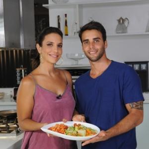 Ivete Sangalo e o marido, o nutricionista Daniel Cady, cozinham juntos em vídeo para o programa de emagrecimento BodyChange 10 semanas®