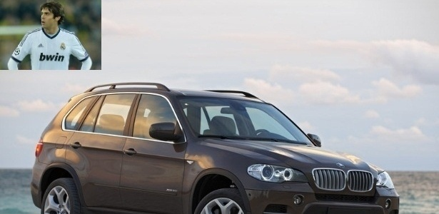 O brasileiro Kak, do Real Madrid, dirige um BMW X5 avaliado em R$ 400 mil