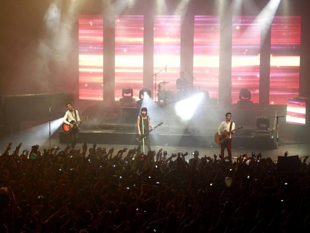 5.mai.2013 - A banda Restart se apresenta no HSBC Brasil, em São Paulo.
