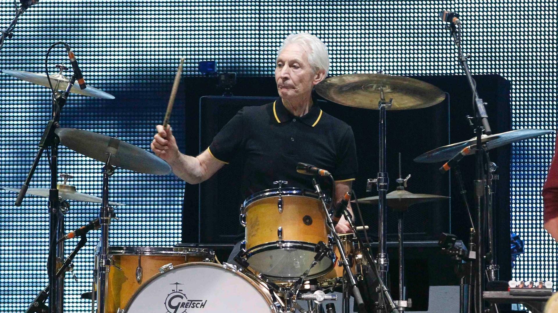 03.mai.2013 - O baterista Charlie Watts, de 71 anos, durante a apresentação