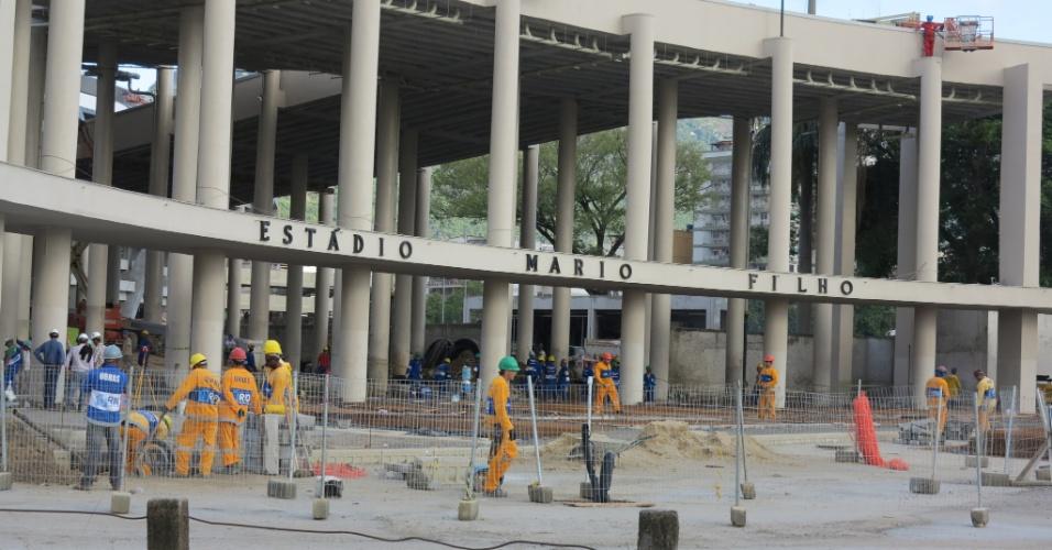 6/5/2013: Maracanã tem obras em todo o seu entorno