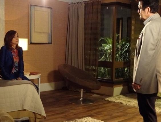 """6.mai.2013 - Em """"Salve Jorge"""", Mustafa termina casamento com Berna"""