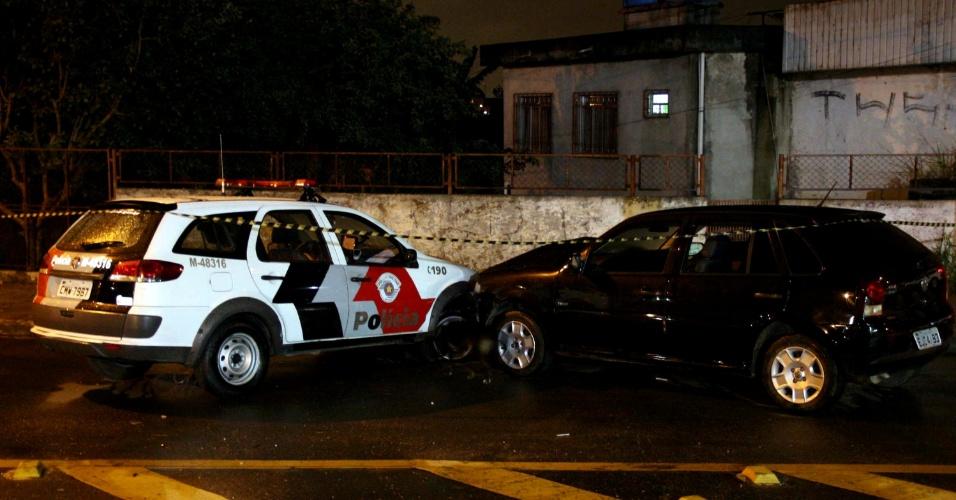 6.mai.2013 - Policial foi baleado durante perseguição a suspeito na estrada Itaquera, em Guaianazes, zona leste de São Paulo. De acordo com a polícia, o PM foi atingido na cabeça e socorrido para o Hospital das Clínicas, na área central da capital. Ninguém foi preso
