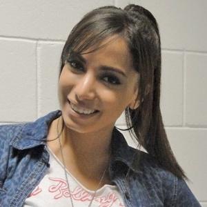 """funkeira Anitta posa nos bastidores do """"TV Xuxa"""""""