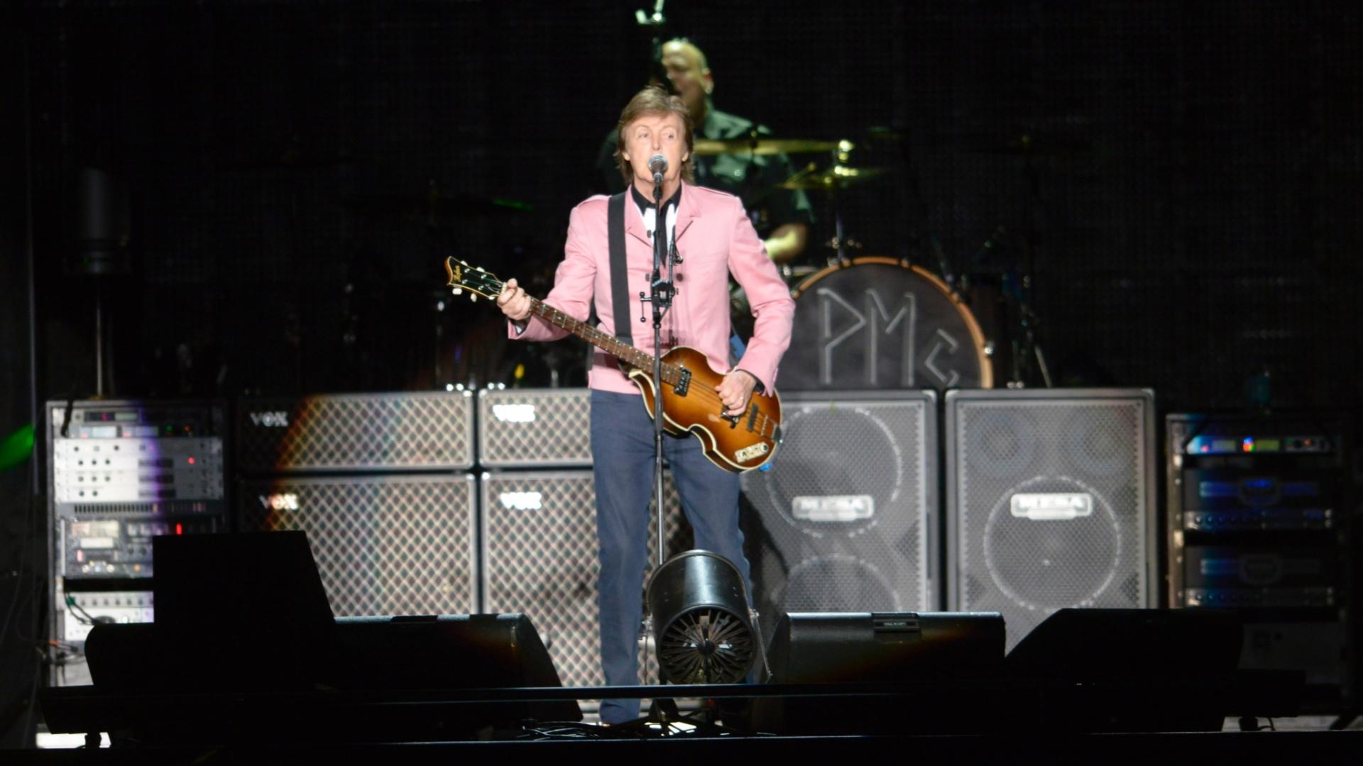 6.mai.2013 - Após o show em Goiânia, Paul McCartney vai para Fortaleza, último show no Brasil de