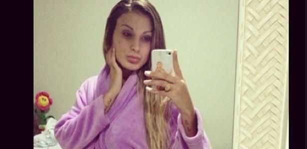 7.mai.2013 - A vice-miss bumbum Andressa Urach postou uma foto para alfinetar seus críticos durante a madrugada.