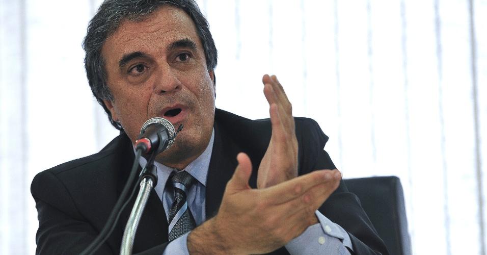 """8.mai.2013 - O ministro da Justiça, José Eduardo Cardozo, autorizou nesta quarta-feira (8) o emprego de tropas da Força Nacional no combate a crimes ambientais na Amazônia até dezembro de 2013. O pedido feito pelo Ministério do Meio Ambiente foi concedido na edição do """"Diário Oficial da União"""""""