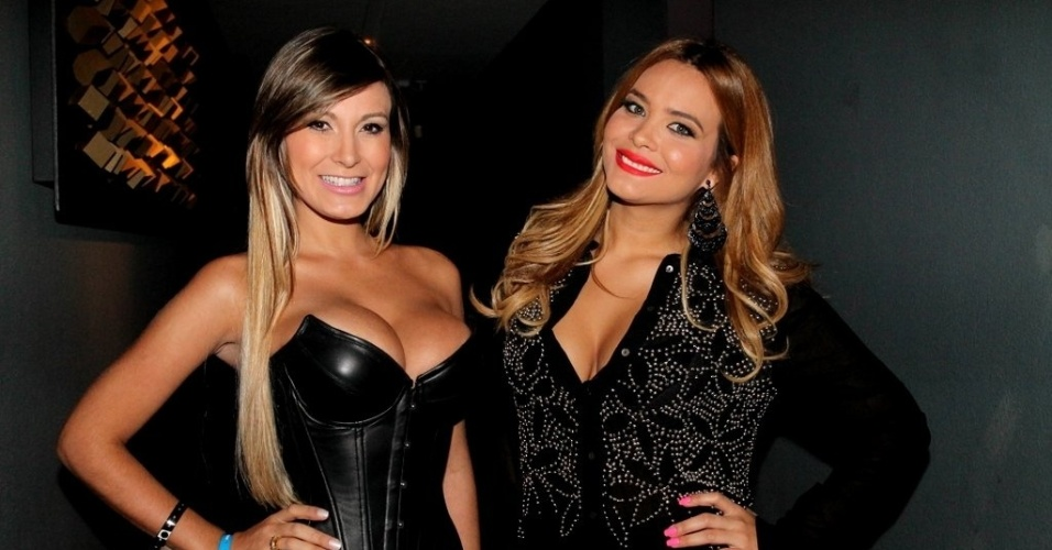 8.mai.2013 - Andressa Urach e Geisy Arruda em show do cantor Eduardo Costa em casa noturna de São Paulo