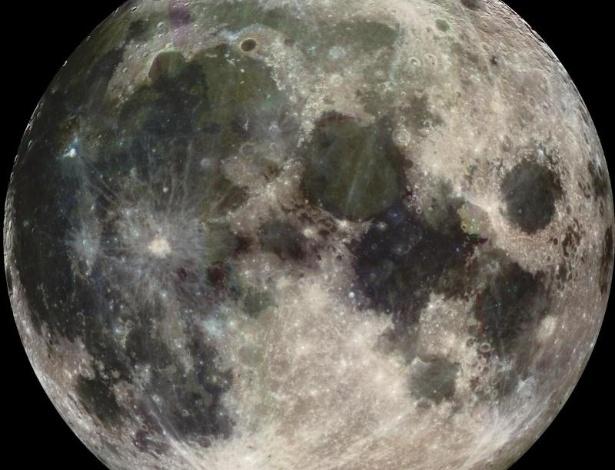 9.mai.2013 - Nova pesquisa publicada na Science indica que a água presente na Lua veio do impacto de um meteorito com a Terra, há 4,5 bilhões de anos. Ao analisar o hidrogênio de magma vulcânico encontrado no satélite, Alberto Saal e seus colegas descobriram que os isótopos são iguais aos encontrados na Terra, em condritos carbonáceos dos meteoritos mais antigos já registrados. Isto indica que o hidrogênio teria saído do nosso planeta, que ao ser chocado por um meteorito formou a Lua. O meteorito teria trazido a água para o Sistema Solar